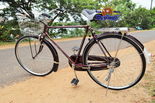 04 - Bicycle rental Batticaloa - East N' West on Board